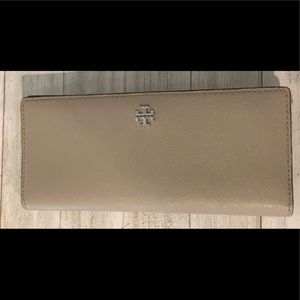 Tory Burch Slim wallet Authentic